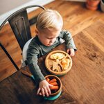 Avanchy Bamboo Suction Baby Plate and Spoon Trauku komplekts bērniem Magenta