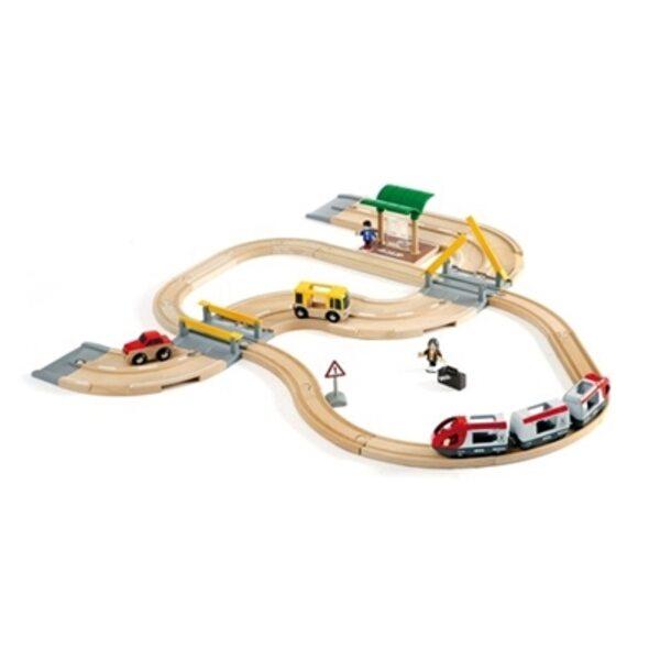 Brio Rail and Road Travel Set Koka dzelzceļš 33209